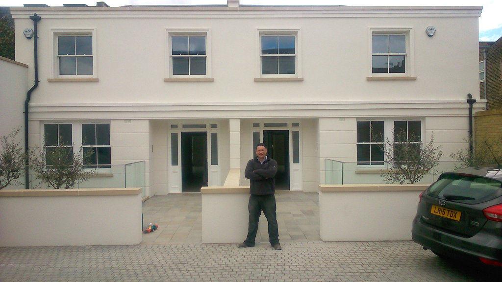 new build high spec houses front london